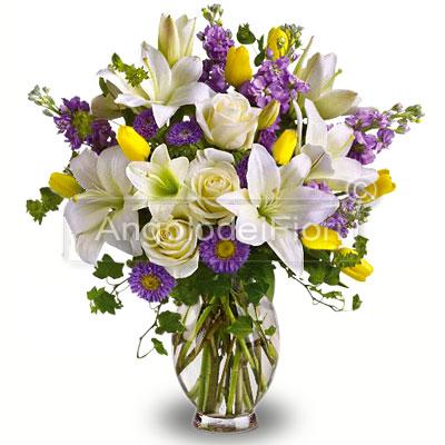 Bouquet di Lilium e fiori di vari colori