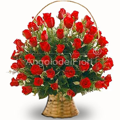 Basket Red Roses