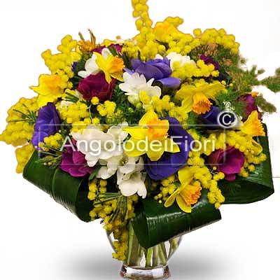 Bouquet di Mimosa e Fiori Primaverili