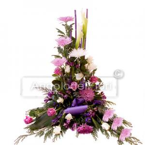 Composition Funeral purple flowers