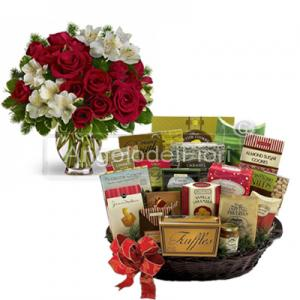 Bouquet with basket food to give to your friends or relatives
